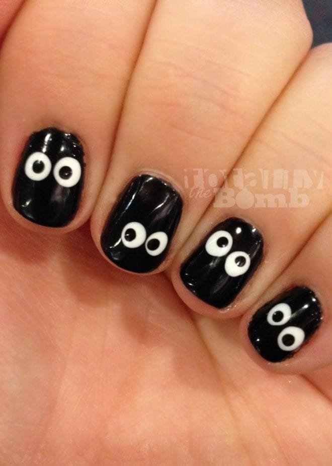 - Spooky Eyeball Nails