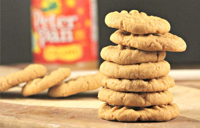 how to make insanely easy 3 ingredient peanut butter cookies