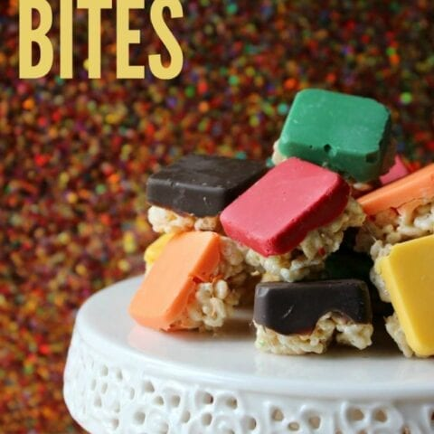 These Rice Krispie Bites are a fun, easy snack and perfect for movie night or time with the kids. Click now!
