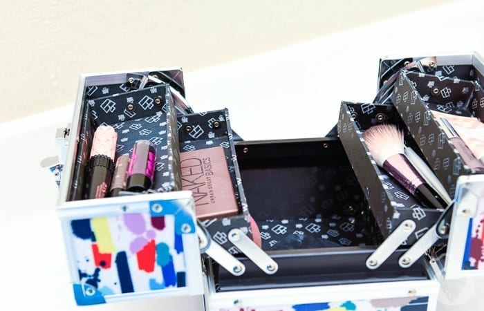 How To Take All Your Makeup With You When You Travel