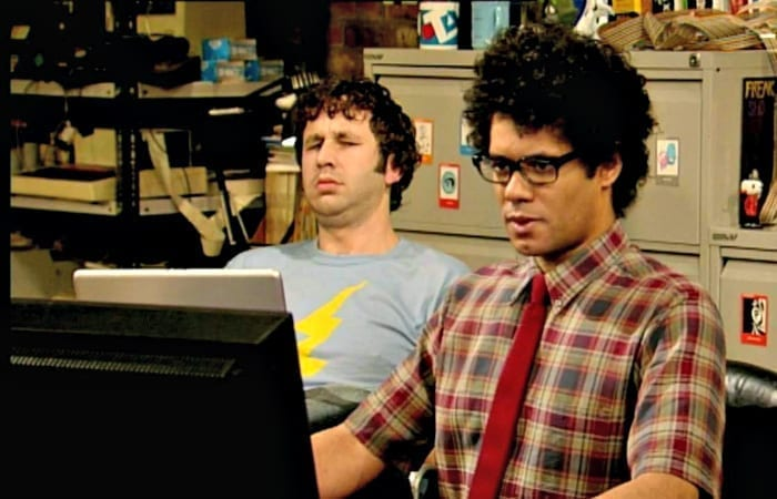 6 Things ALL Tech Support Guys Have In Common