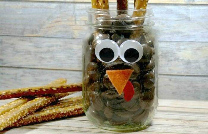 turkey pretzel jar for Thanksgiving