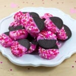 Candy-Dipped Valentine's Day Oreos