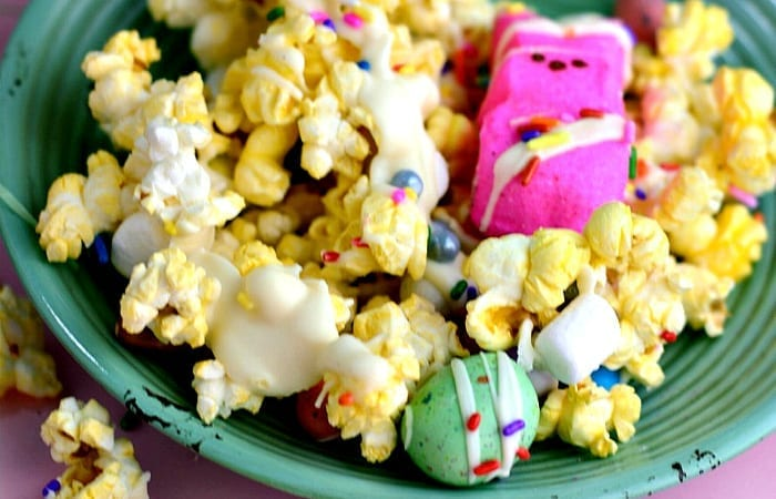Hoppin' Good Easter Trail Mix – Because Those Peeps Won't Eat Themselves…