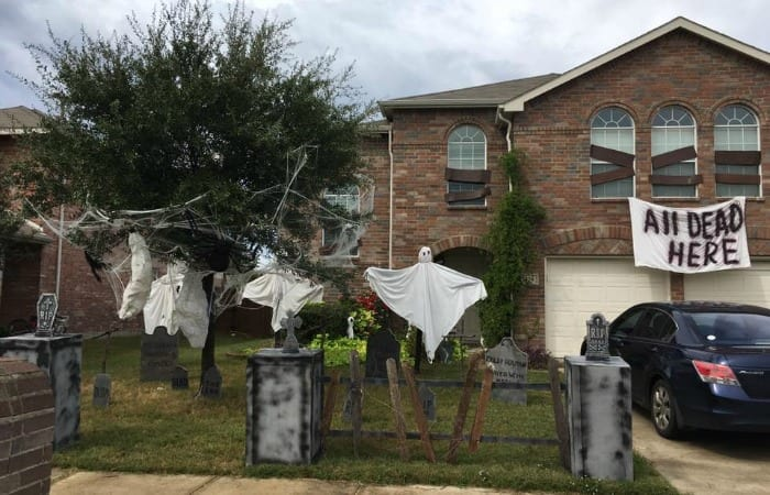 Keeping The Earth Alive And Your Yard Undead: Upcycled Halloween Decorations