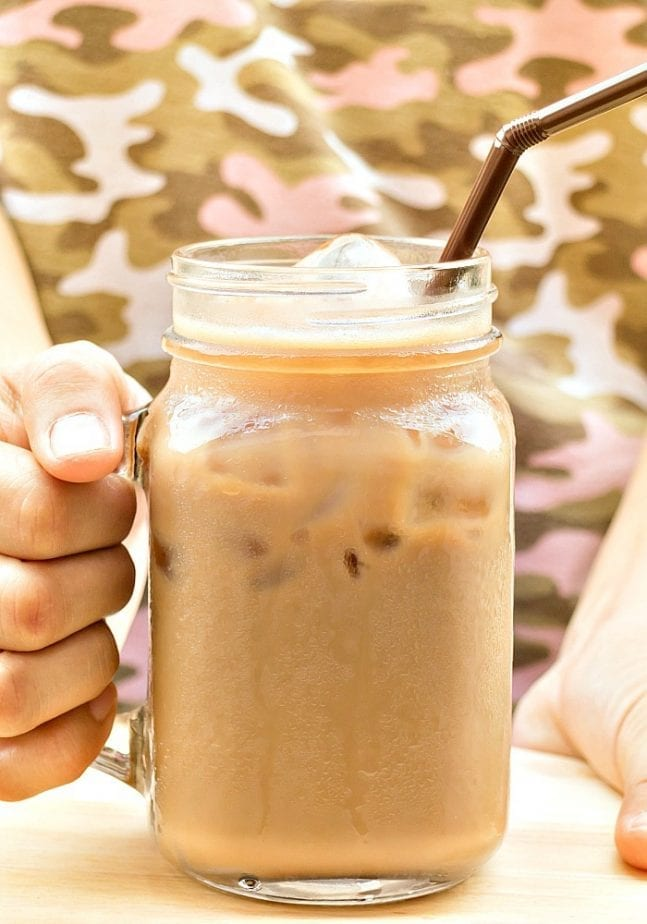 here's how to make your own iced coffee in six steps