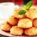 5 Minute Easy Coconut Macaroons