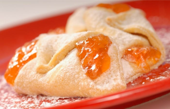 Totally Cravable Apricot Kolaches Are A Winter 'Must Bake'