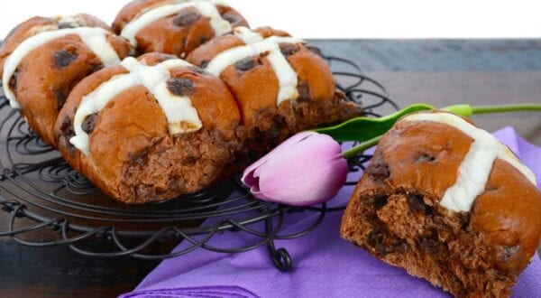 This delicious bun is subtly sweet with just a little chew and perfect with pretty much any breakfast. | #TotallyTheBomb #HotCrossBuns #buns #bread #Easter #spring #recipe #sweet #traditional #chocolate #carbs #easy