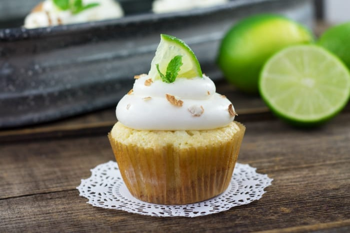 mojito cupcakes with limes