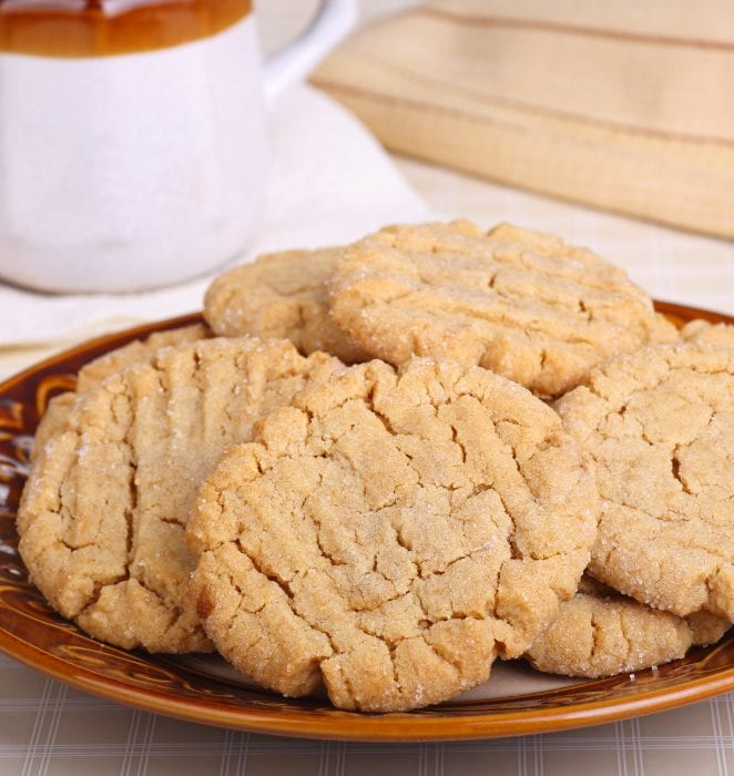You only need 3 ingredients to make these irresistable peanut butter cookies