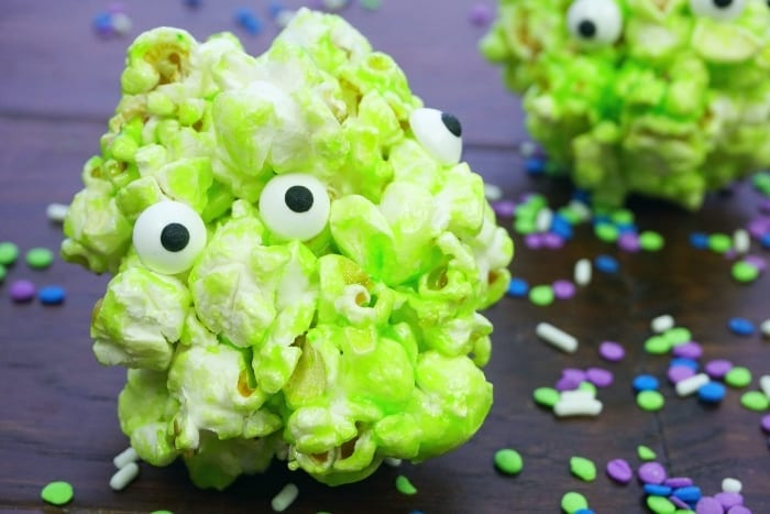 So, my enthusiasm for the Toy Story 4 movie knows no bounds. Seriously, I'm Ready for the Claw! with these Toy Story Alien Popcorn Balls. #toystory #toystoryfood #toystoryalien #toystoryparty #toystorypartyfood #alien