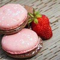 Strawberry Chocolate Macaron Cookies