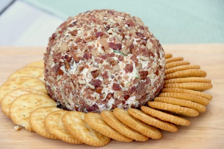 Mouthwateringly Good Bacon Blue Cheese Ball