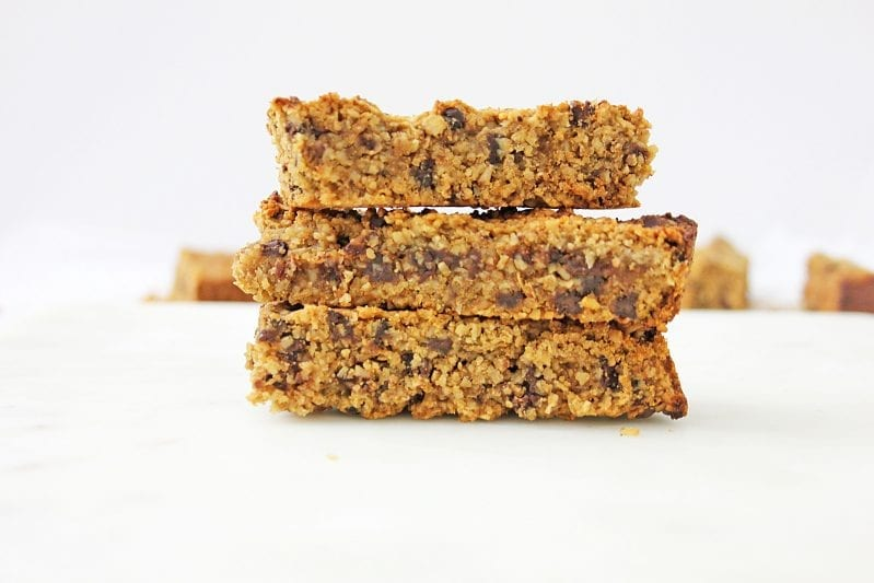 Sometimes, for breakfast, I just want something protein-packed so that I have enough fuel to get me through, because I know it's going to be a long day. These Chocolate Protein Granola Bars are my go-to for those mornings. So full of flavor, but keeps me energized for anything that might come my way. #granolabars #howtomakegranola #chocolateprotiengranolabars #homemadegranolabars