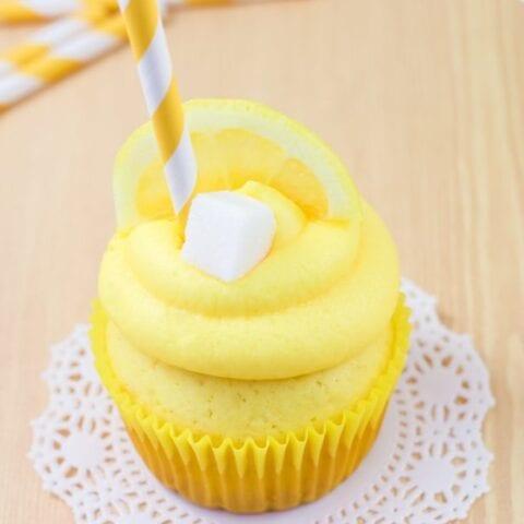 Sweet Little Lemonade Stand Cupcakes