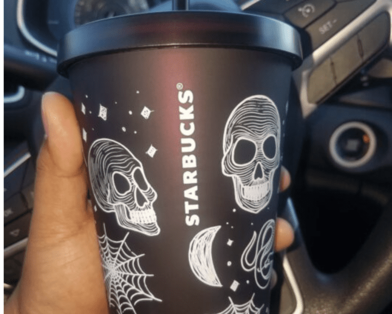 Starbucks Christmas Cups 2019.Starbucks Released A New Halloween Cup And Now I Need To Find It