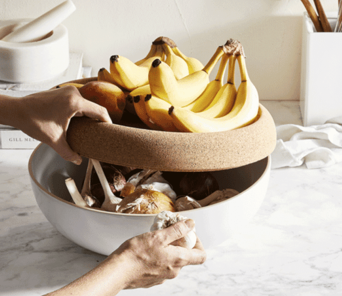 this is a super smart way to keep fruit flies away from your fruit