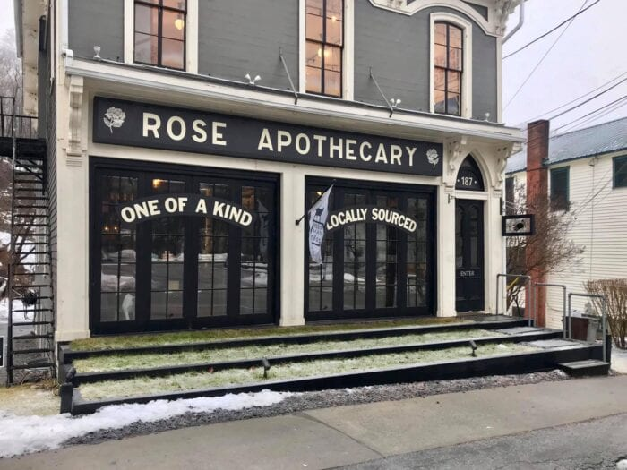 You Can Visit A Rose Apothecary Pop-Up Store From Schitt's Creek