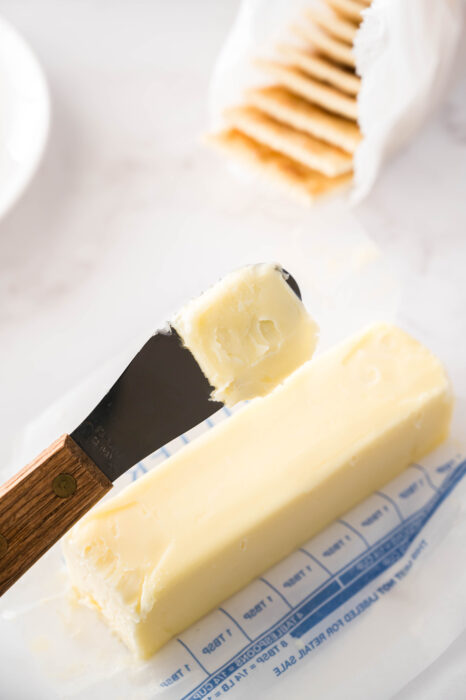 butter on knife